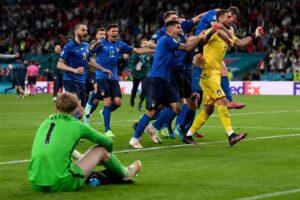 英格蘭與義大利11日在2020歐洲國家盃冠軍戰交手