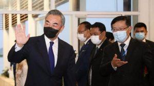 王毅希望柬埔寨彻底杜绝网络赌博